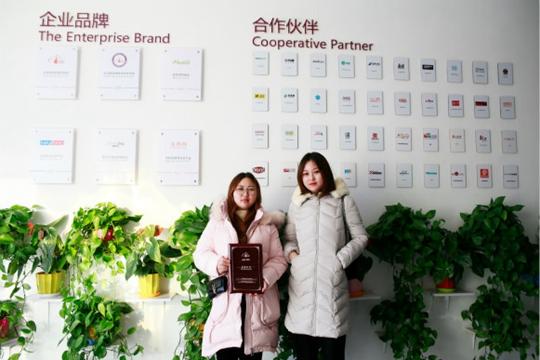 祝贺派多格学员陶女士和黄女士在上海浦东开店